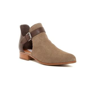 Steve Madden Corryn Pointed Toe Ankle Boot